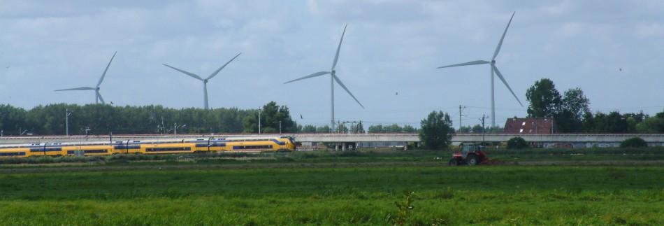 Windmolens in de polder